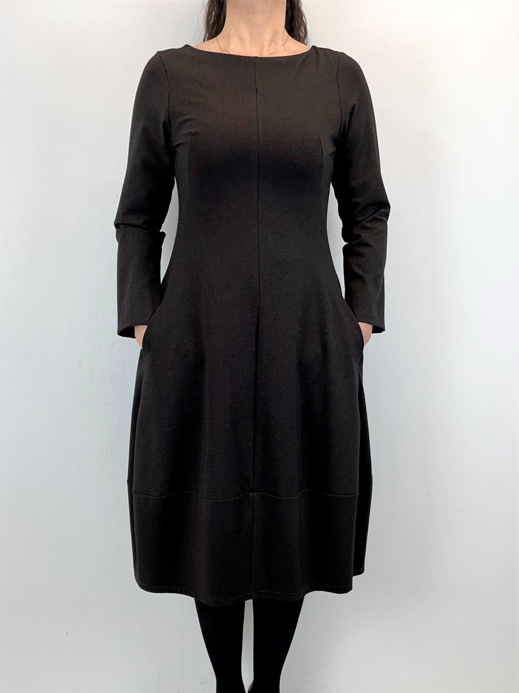 Attraktives Kleid in Braun